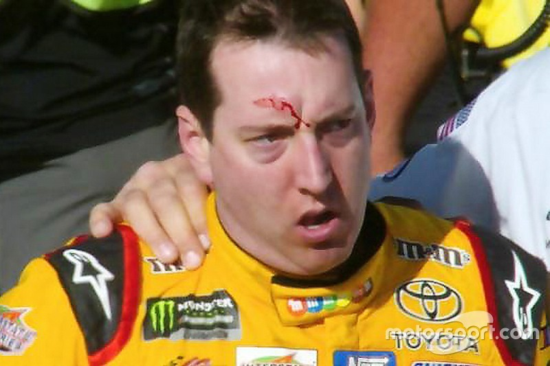 Kyle Busch fights Joey Logano's pit crew after NASCAR Las Vegas race